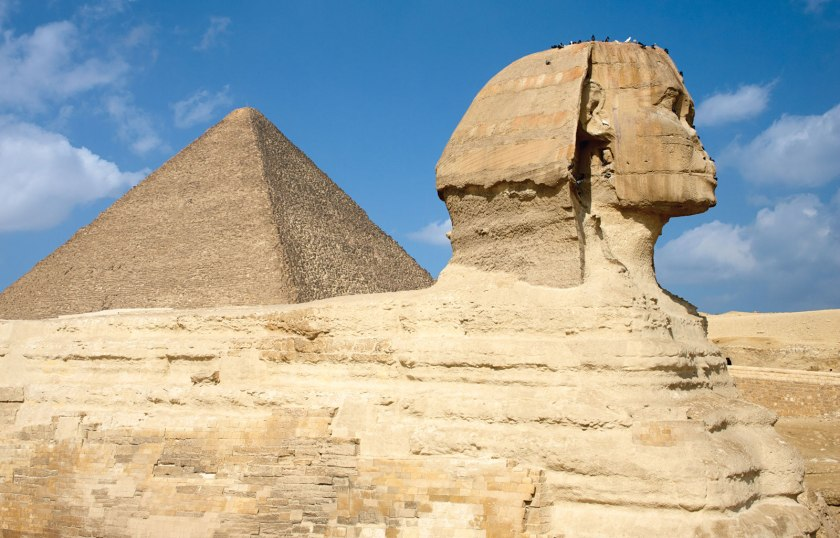 Side-view-Sphinx-Great-Pyramid-of-Khufu